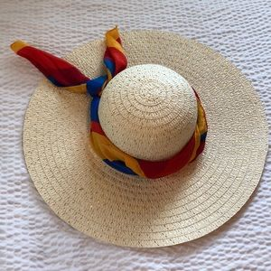 Beach hat with Liz clairborne scarf